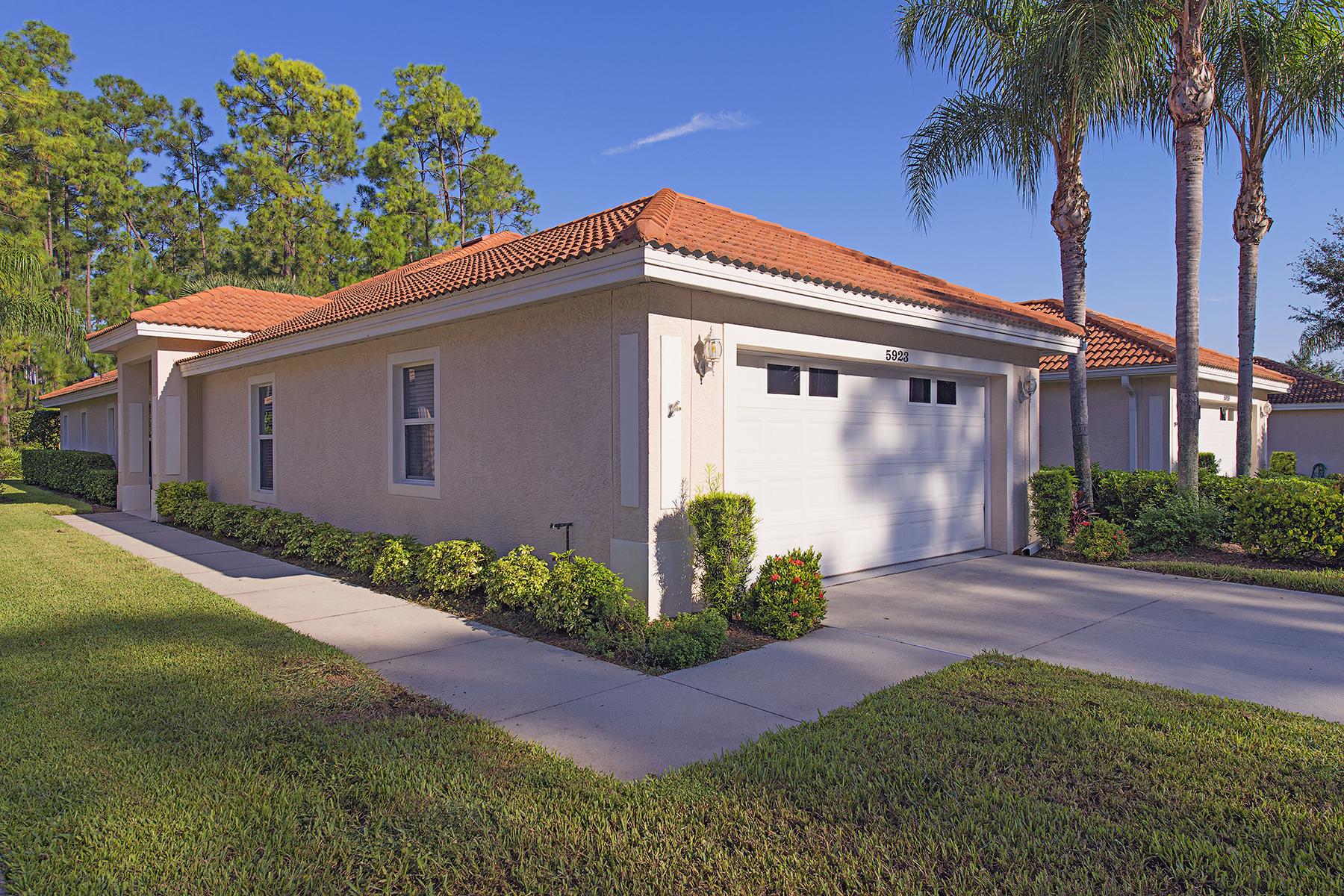 联栋屋 为 销售 在 CARLTON LAKES 5923 Northridge Dr A-39 Naples, 佛罗里达州 34110 美国