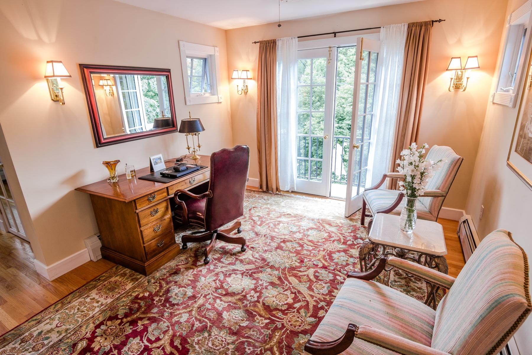 Частный односемейный дом для того Продажа на 92 South Main Street, Hanover Hanover, Нью-Гэмпшир 03755 Соединенные Штаты