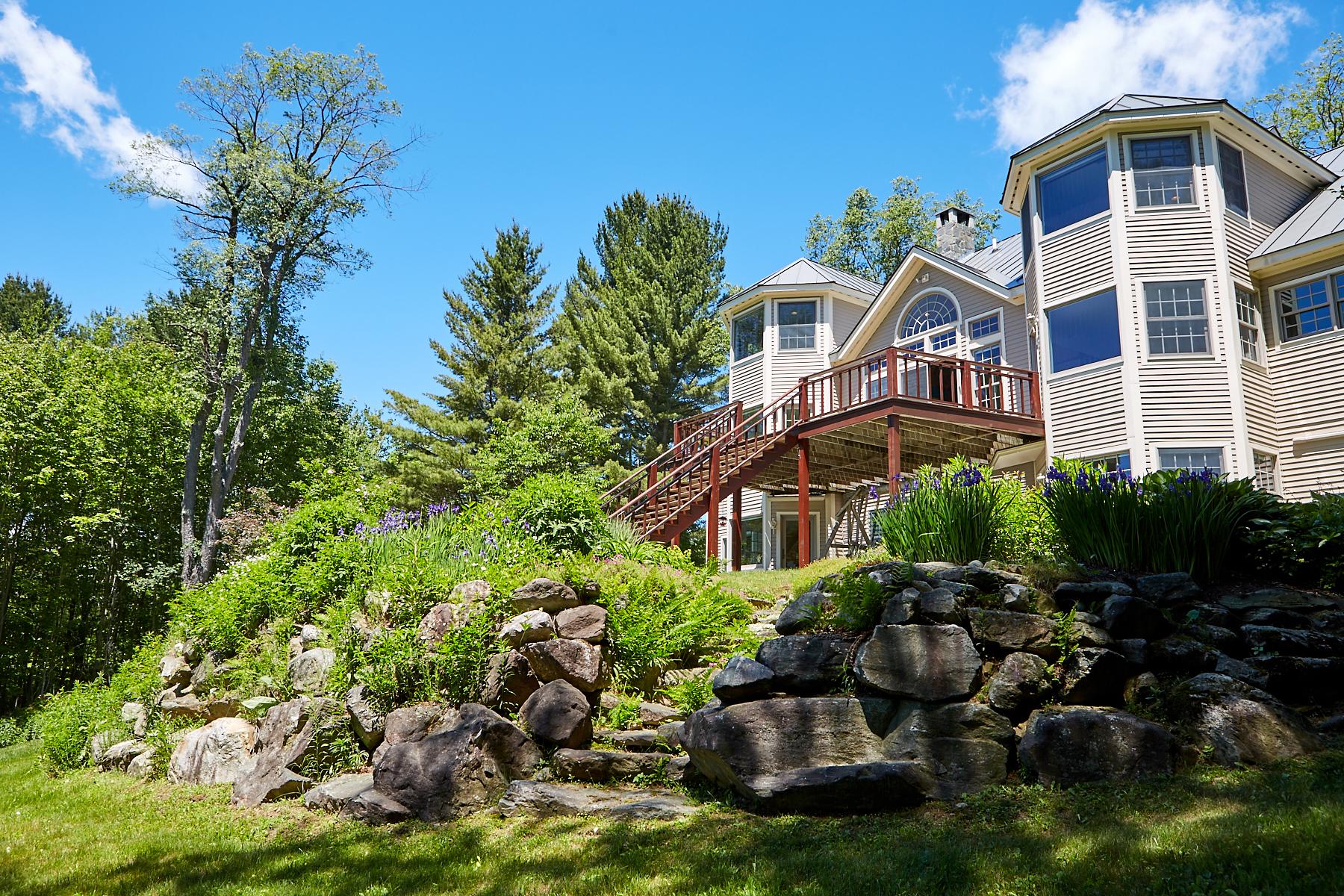 Casa para uma família para Venda às Stunning Views 15 Casper Ln Weston, Vermont, 05161 Estados Unidos