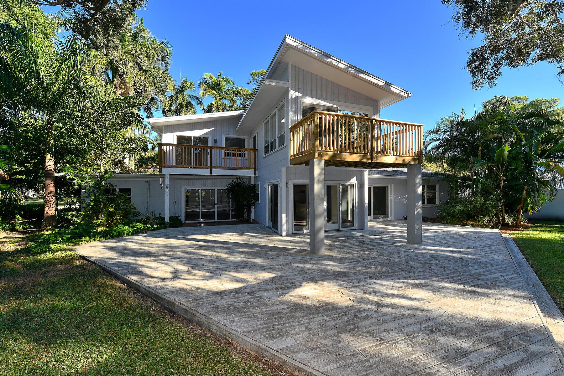 Nhà ở một gia đình vì Bán tại INDIAN BEACH; SAPPHIRE SHORES 650 Indian Beach Ln Sarasota, Florida, 34234 Hoa Kỳ