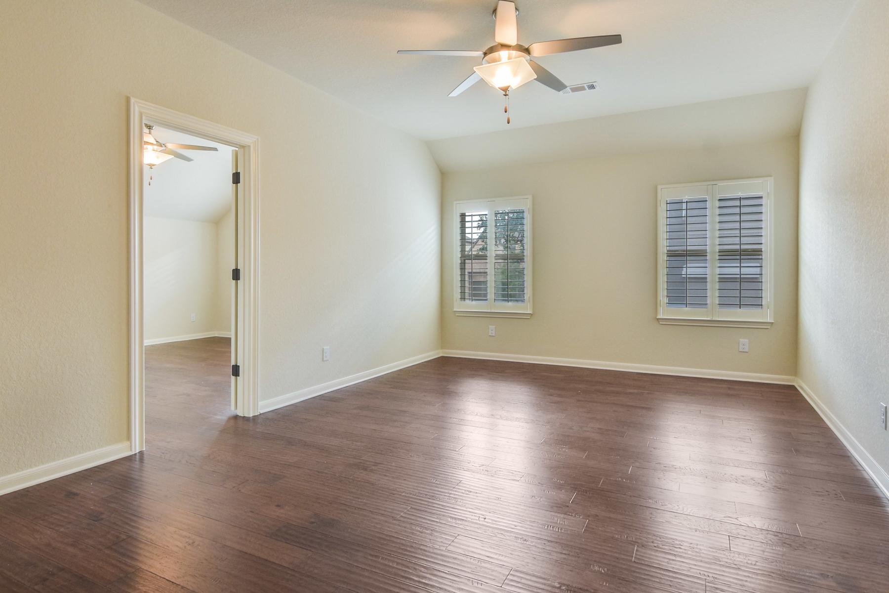 Additional photo for property listing at Mediterranean Beauty in Estates of Alon 2314 Dunmore Hill San Antonio, Texas 78230 Estados Unidos
