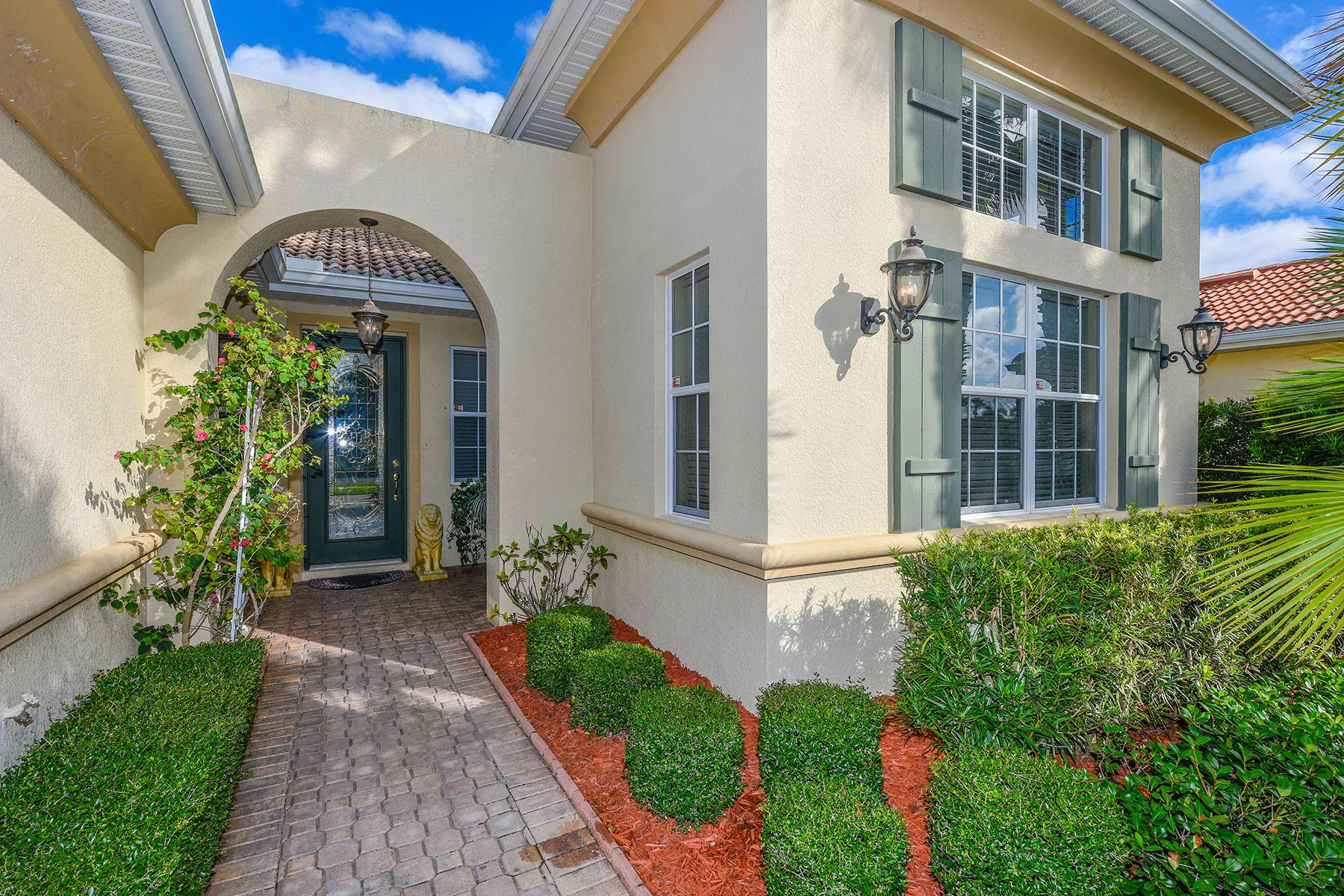 Maison unifamiliale pour l Vente à VENETIAN GOLF & RIVER CLUB 266 Montelluna Dr North Venice, Florida 34275 États-Unis