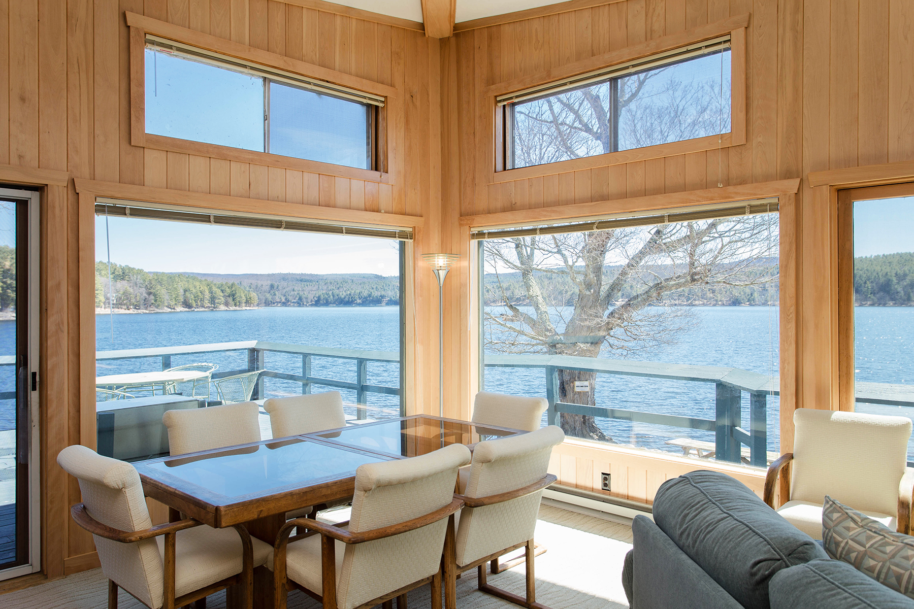 Additional photo for property listing at Panoramic Views of Sacandaga Lake 2044 N Shore Rd Day, New York 12835 États-Unis