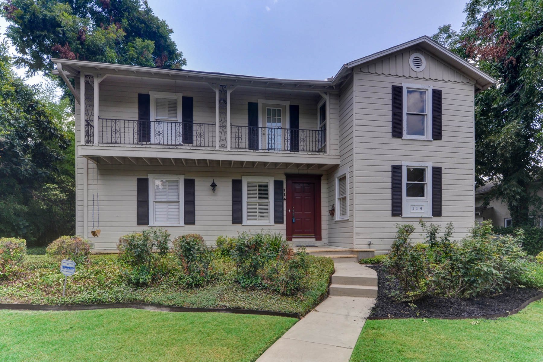 Single Family Home for Sale at Beautiful 1940's Colonial Stye Home 114 Cloverleaf Ave Alamo Heights, San Antonio, Texas 78209 United States