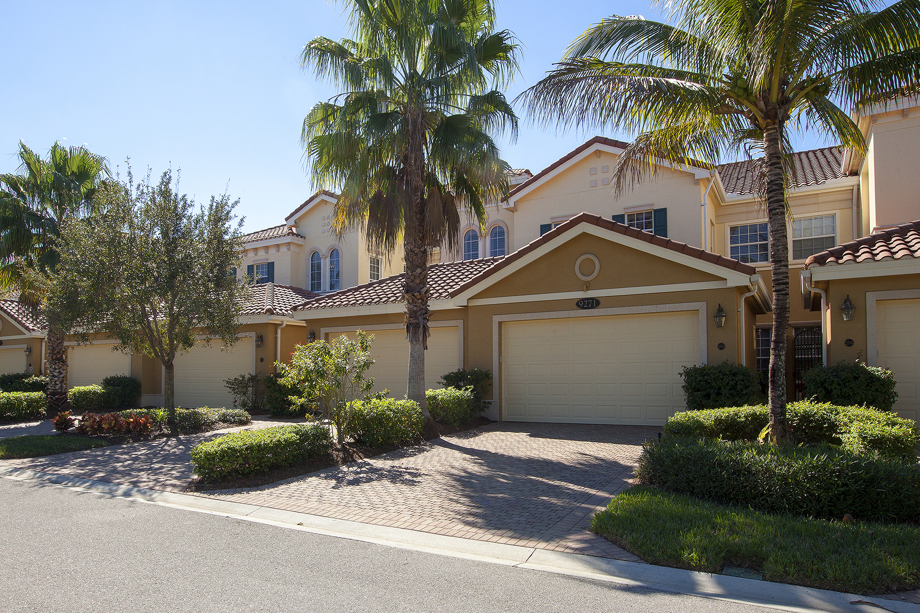 Condominium for Sale at FIDDLER'S CREEK - LAGUNA 9271 Museo Cir 203 Naples, Florida 34114 United States