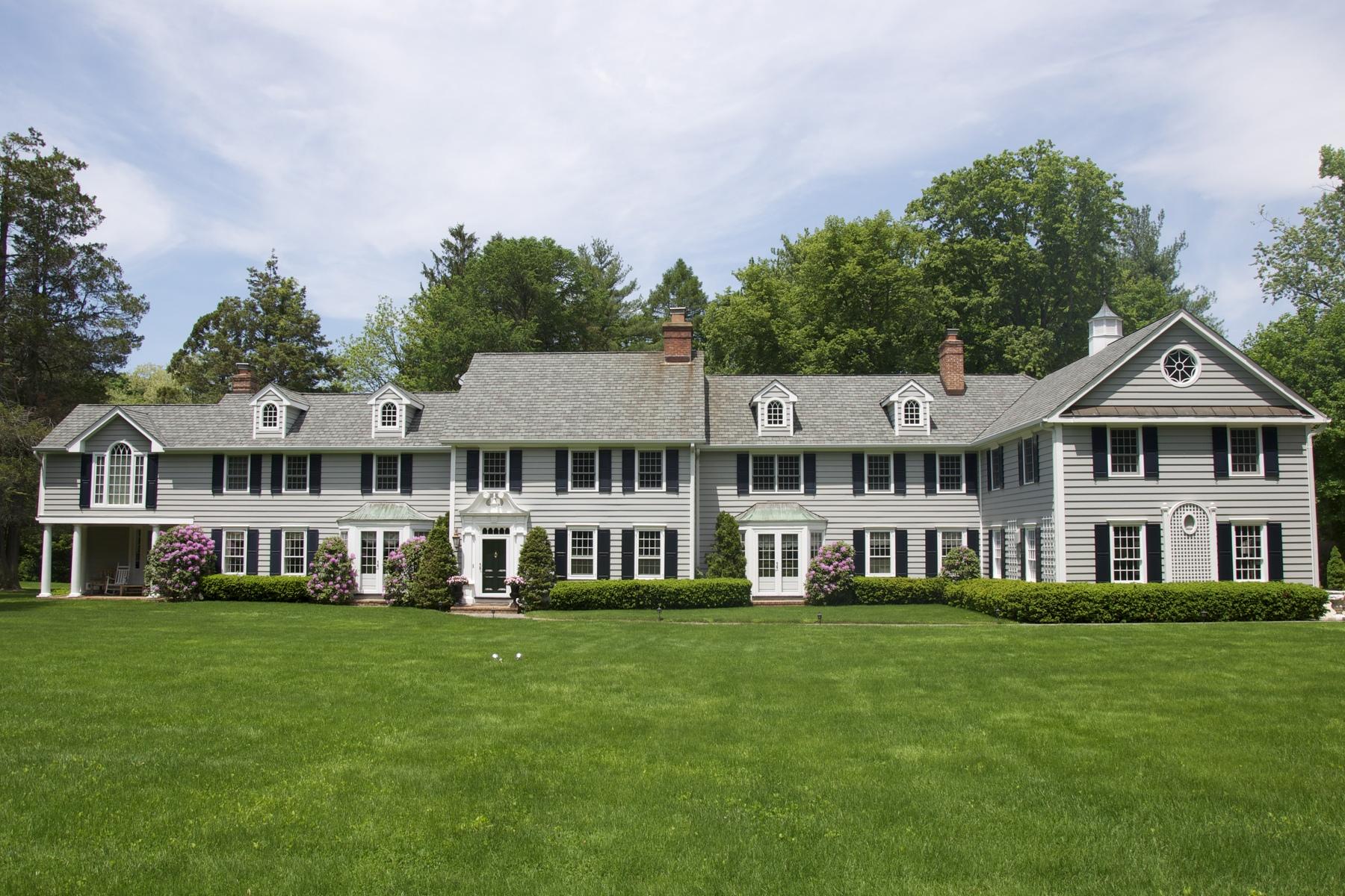 Casa para uma família para Venda às Colonial 741 Remsens Ln Upper Brookville, Nova York 11771 Estados Unidos