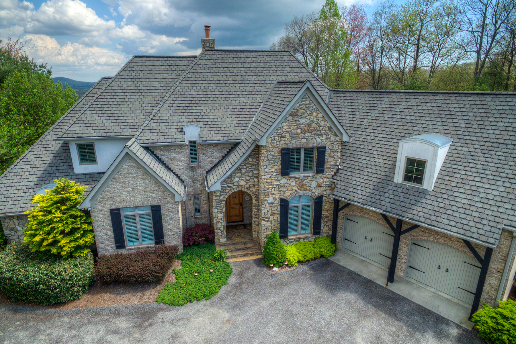 Single Family Home for Sale at OLDE BEAU GOLF & CC 164 Saint Andrews Dr Roaring Gap, North Carolina, 28668 United States