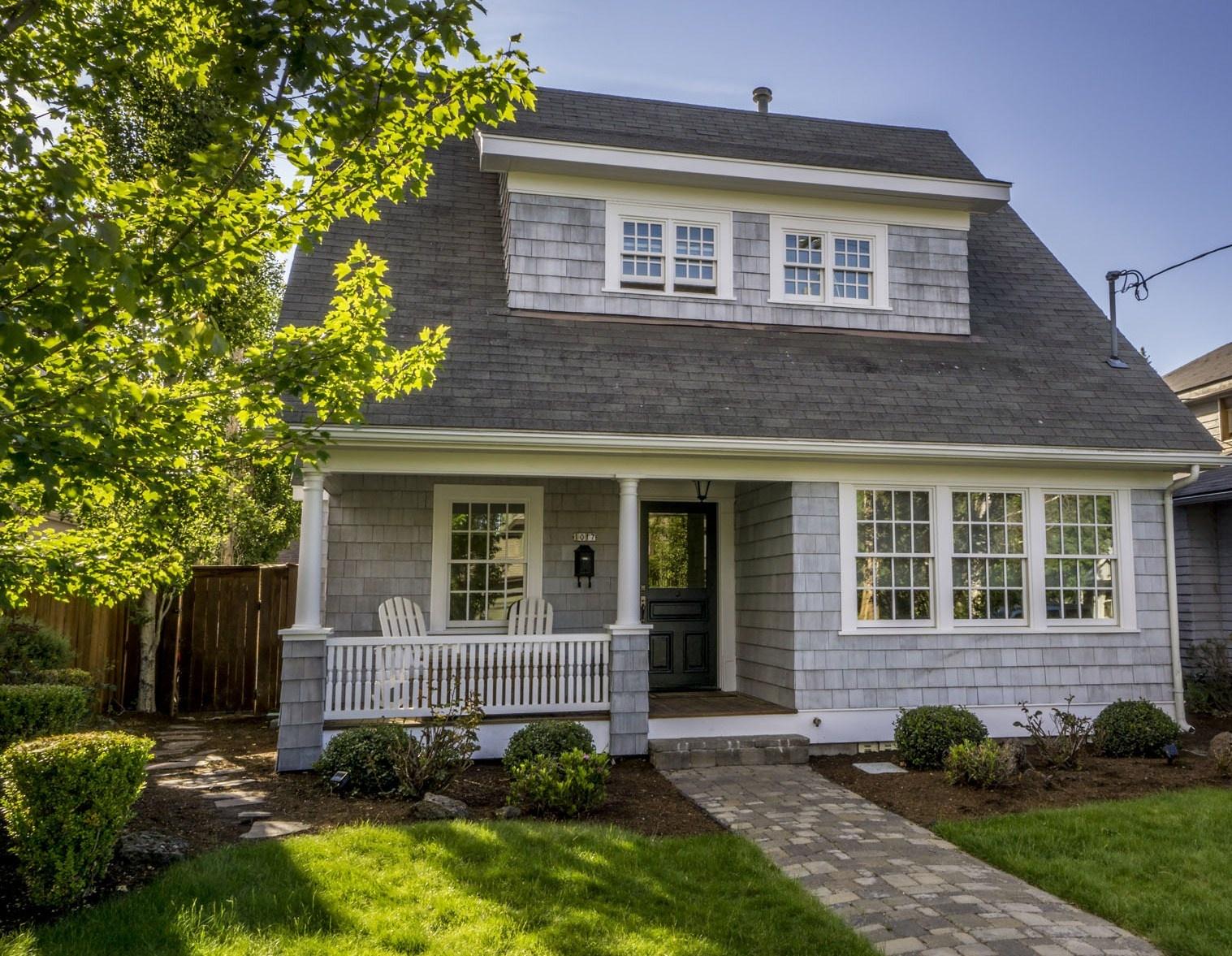 Nhà ở một gia đình vì Bán tại 1017 NW Harmon Blvd, Bend, OR 97701 Bend, Oregon 97701 Hoa Kỳ