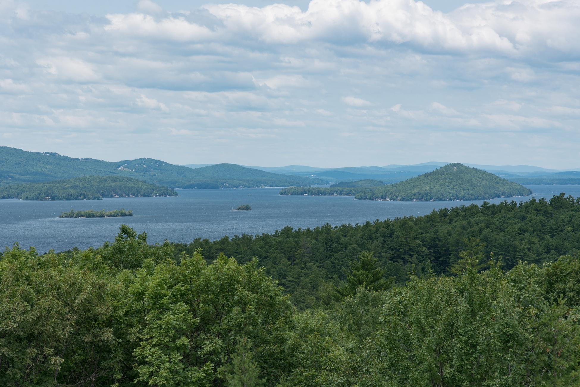 Vivienda unifamiliar por un Venta en 302 Roberts Cove Road, Alton 302 Roberts Cove Rd Alton, Nueva Hampshire, 03809 Estados Unidos