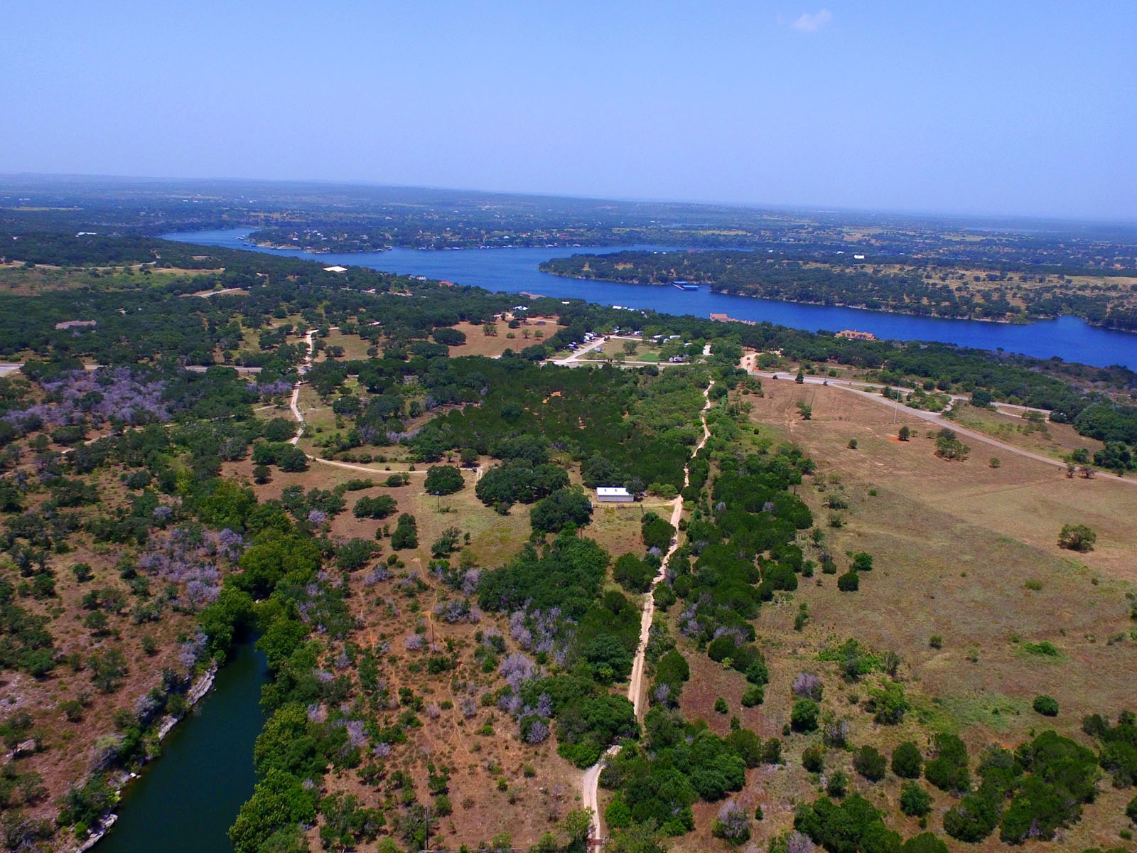 Additional photo for property listing at Backs to Pace Bend Park 1907 N Pace Bend Rd Austin, Texas 78669 Estados Unidos