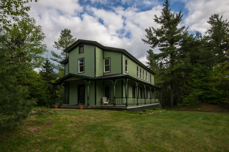 Additional photo for property listing at The Winter Cottage - Loon Lake 299  Blue Spruce Dr Loon Lake, Nueva York 12989 Estados Unidos
