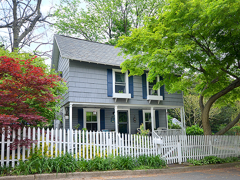 Single Family Home for Sale at Cottage 37 Elm Pl Sea Cliff, New York, 11579 United States