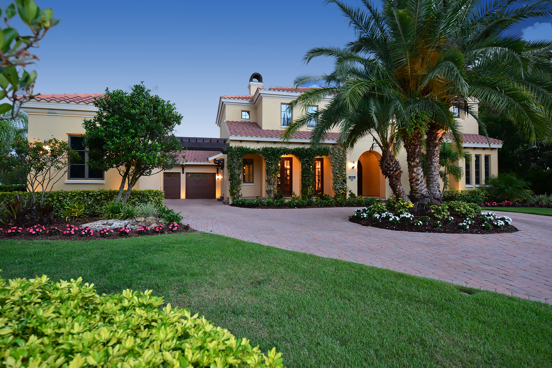Villa per Vendita alle ore LAKEWOOD RANCH 16015 Foremast Pl Lakewood Ranch, Florida 34202 Stati Uniti