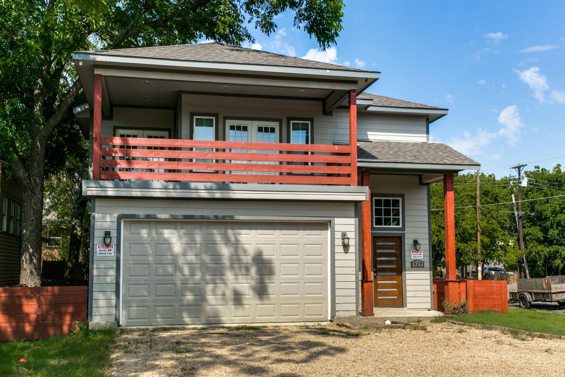 Villa per Vendita alle ore Multi-Generational Home in Bishop Art District 629 Elsbeth St Dallas, Texas, 75208 Stati Uniti