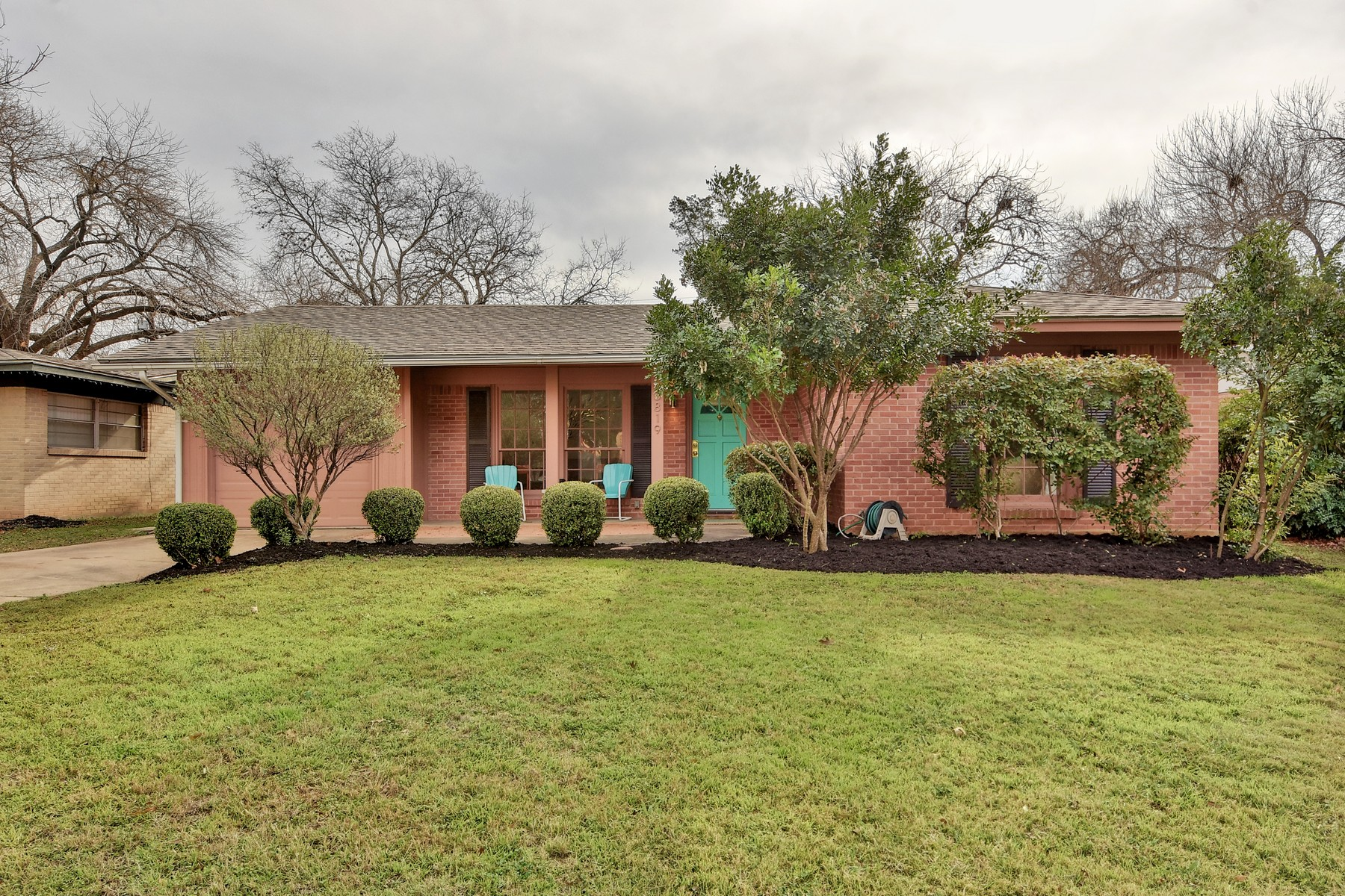 Single Family Home for Sale at Cheerful Living in Hyde Park 3819 Avenue F Austin, Texas 78751 United States