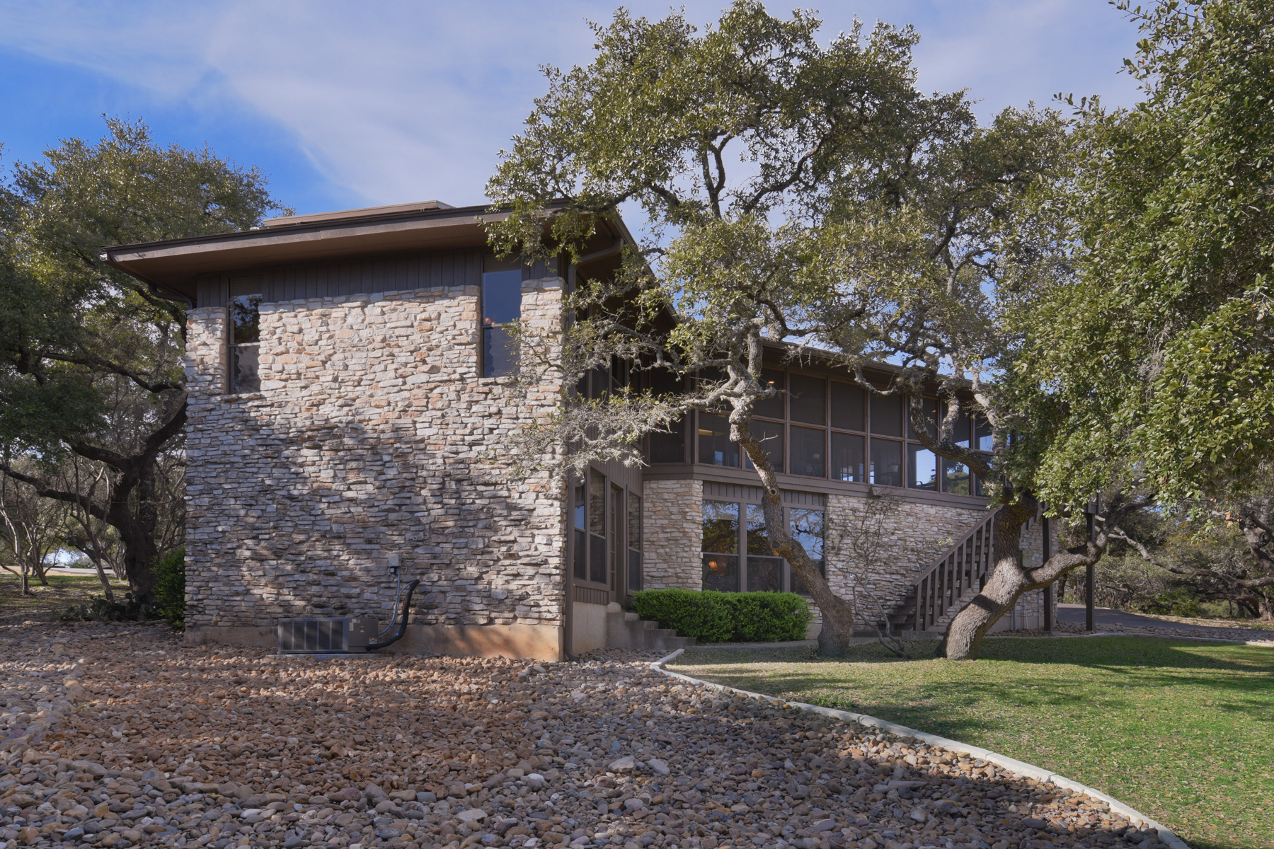 Property For Sale at Lovely Traditional Home in Fair Oaks Ranch