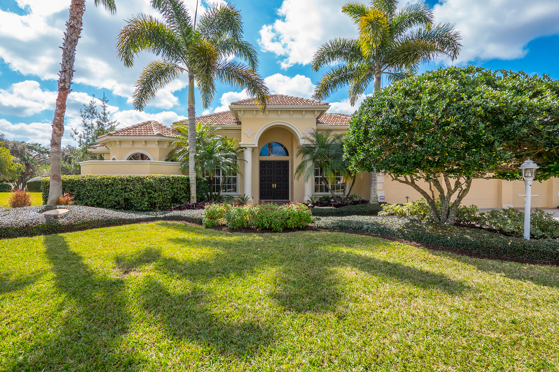 Single Family Home for Sale at 7024 Beechmont Terr , Lakewood Ranch, FL 34202 7024 Beechmont Terr Lakewood Ranch, Florida, 34202 United States
