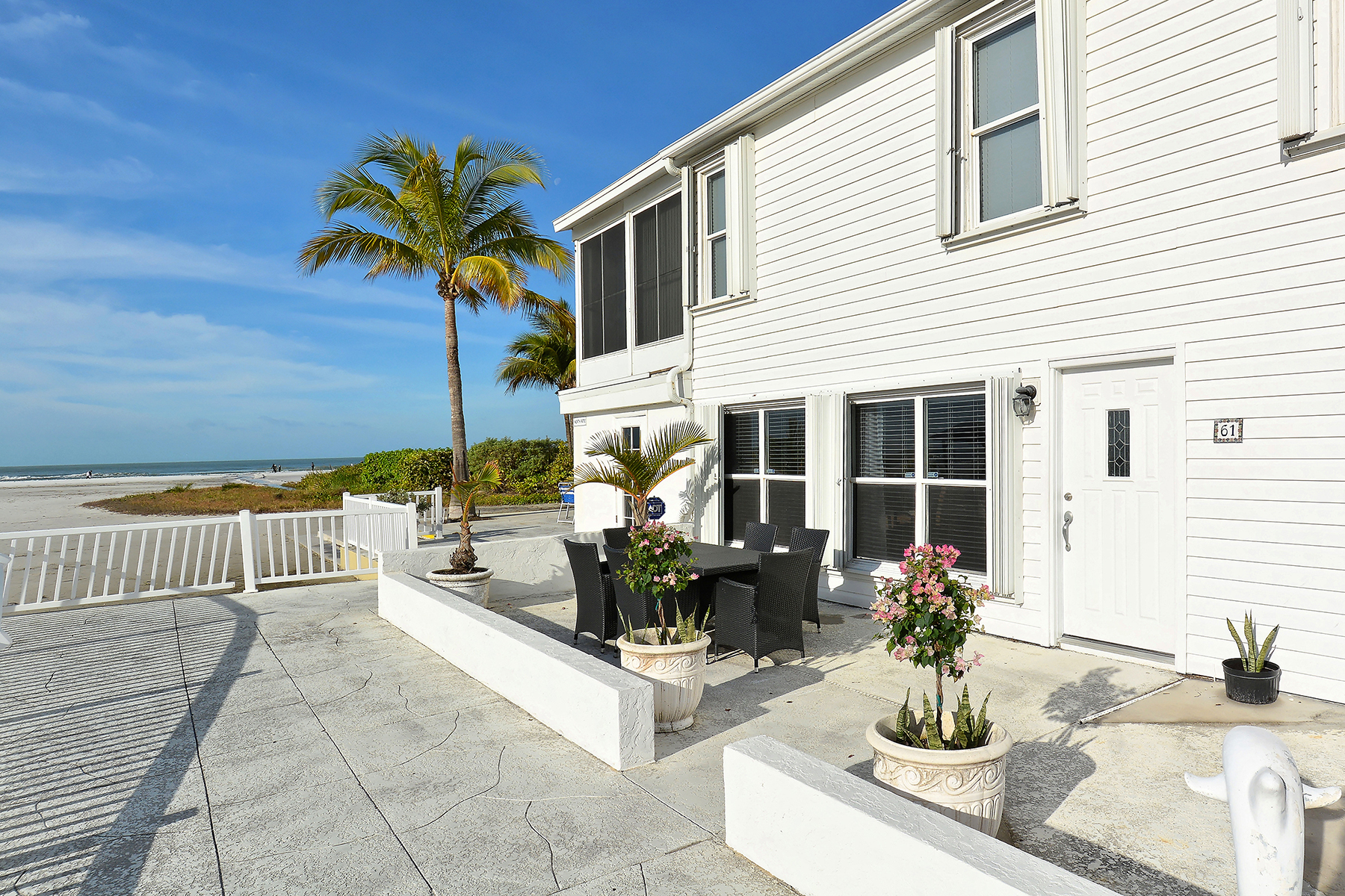 共管式独立产权公寓 为 销售 在 SARASOTA 5858 Midnight Pass Rd 61 萨拉索塔, 佛罗里达州, 34242 美国