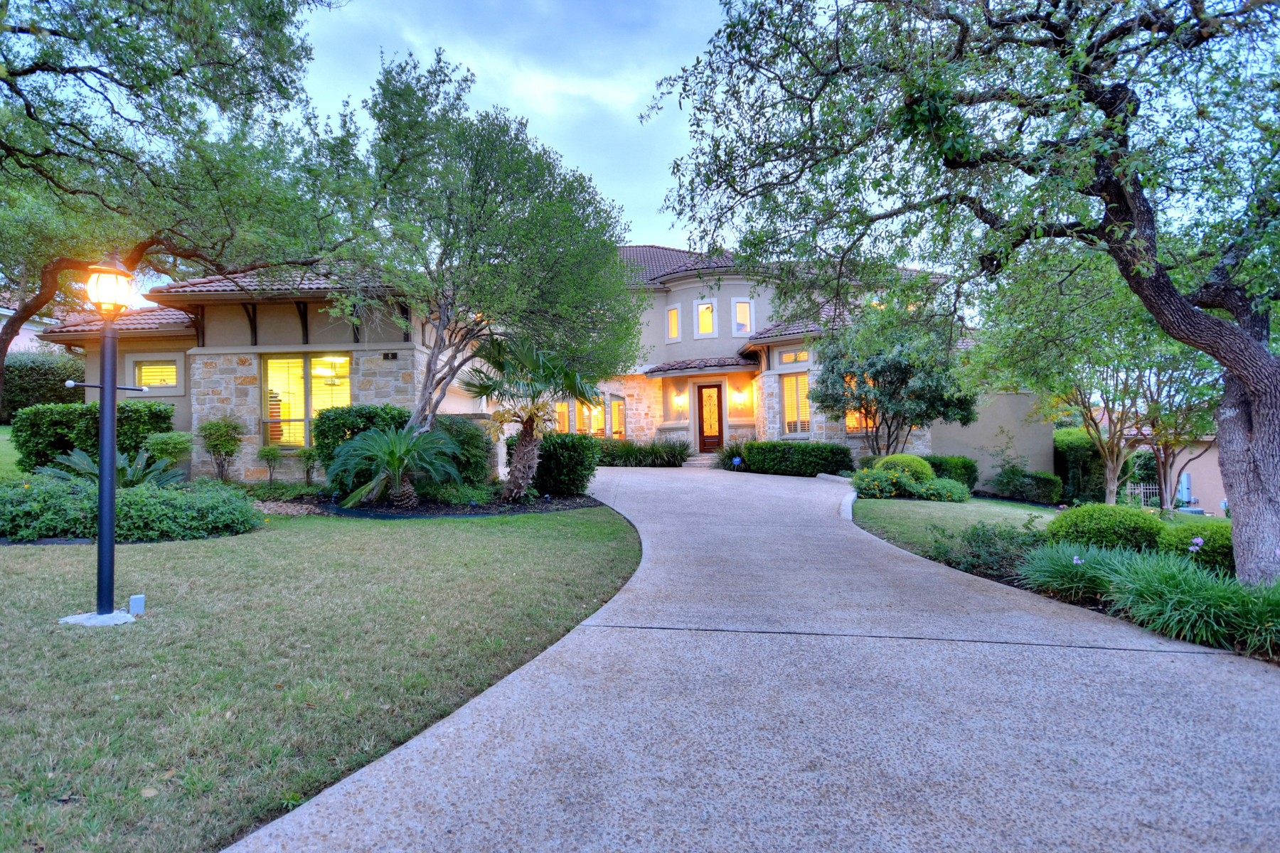 Single Family Home for Sale at Luxurious and Gorgeous Home in The Dominion 8 Legends Ct The Dominion, San Antonio, Texas, 78257 United States