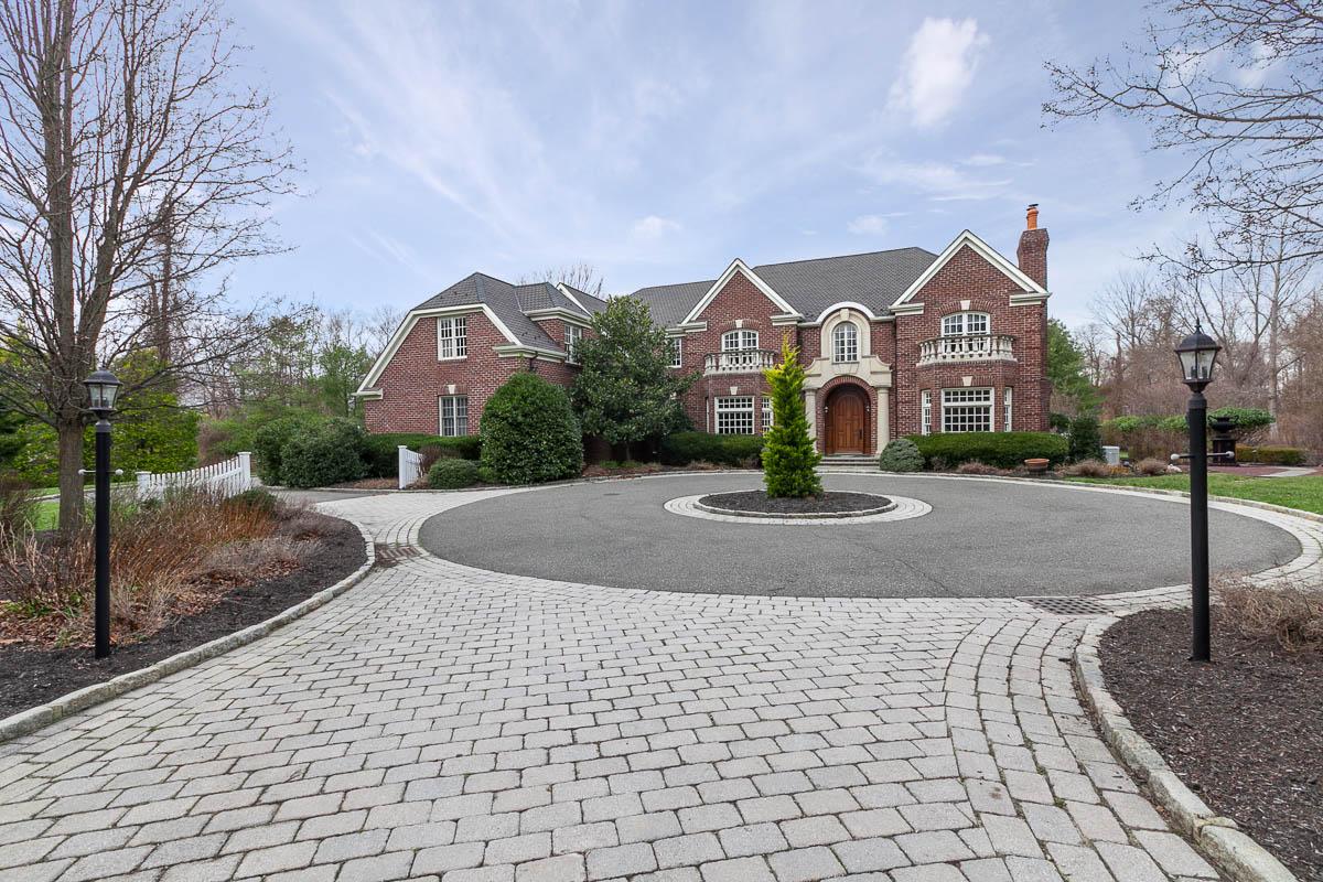 獨棟家庭住宅 為 出售 在 Colonial 534 Long Beach Rd Nissequogue, 紐約州, 11780 美國
