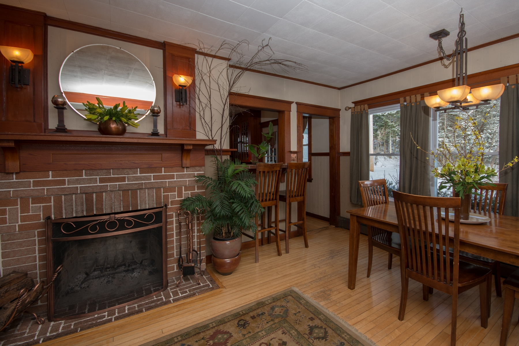 Additional photo for property listing at Historic Mountain View Home 635  County Route 47 Saranac Lake, New York 12983 États-Unis