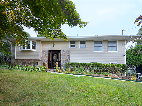 Single Family Home for Sale at Raised Ranch 6 Holly Tree Ln Glen Cove, New York 11542 United States