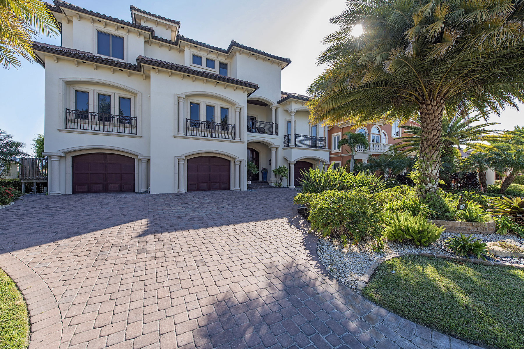 Single Family Home for Sale at VANDERBILT BEACH - CONNORS 264 Bayview Ave, Naples, Florida 34108 United States