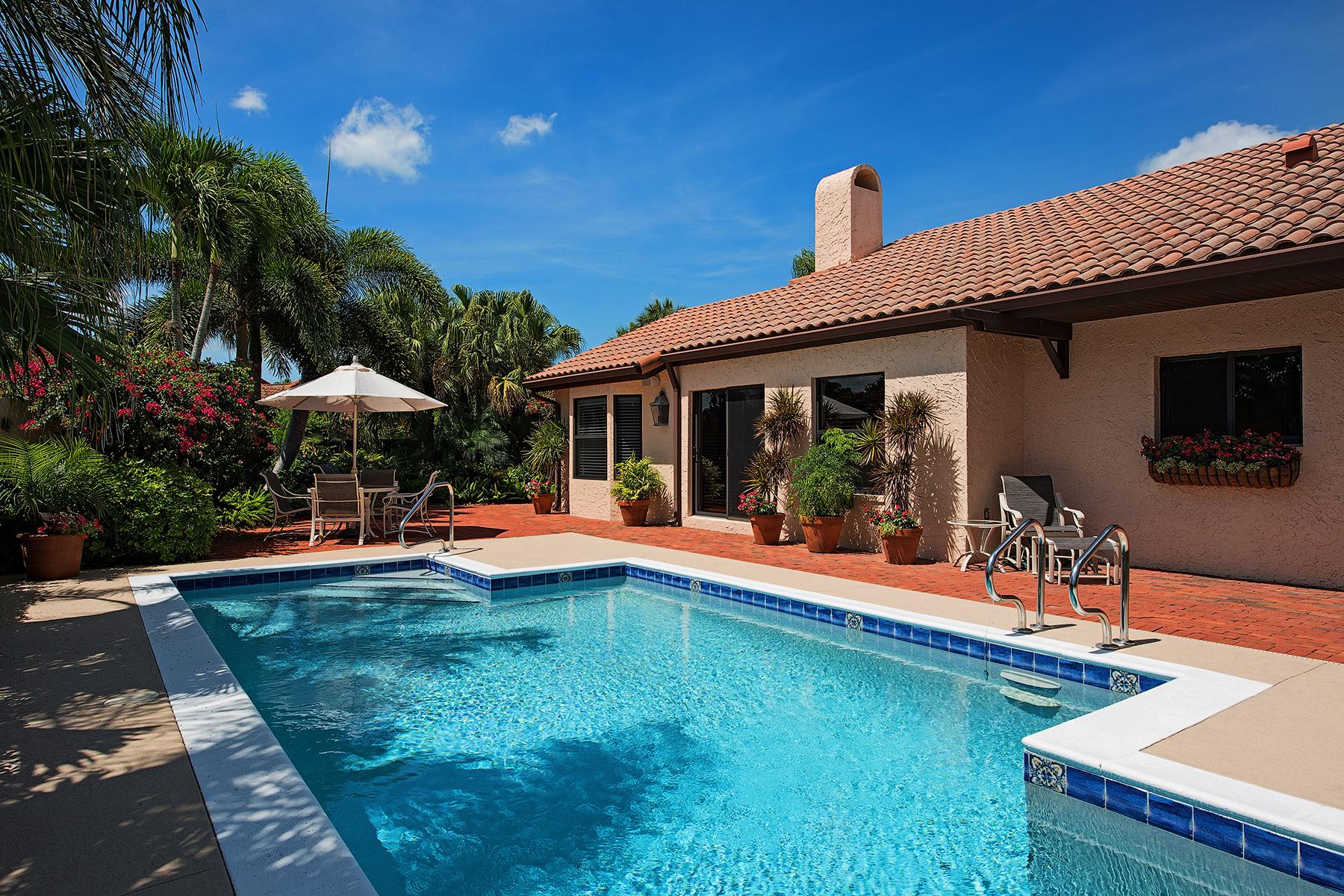 联栋屋 为 销售 在 520 Tierra Mar Ln E, Naples, FL 34108 520 Tierra Mar Ln E 6 Naples, 佛罗里达州 34108 美国