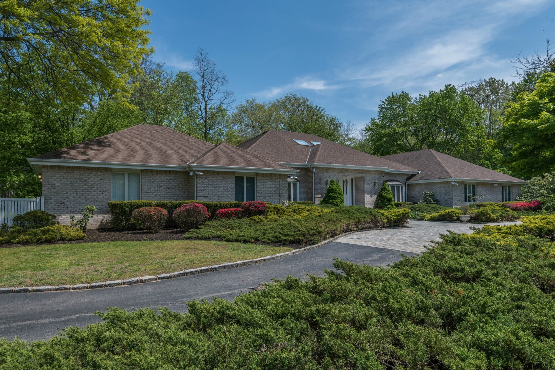 Single Family Home for Sale at Exp Ranch Lattingtown, New York, 11560 United States