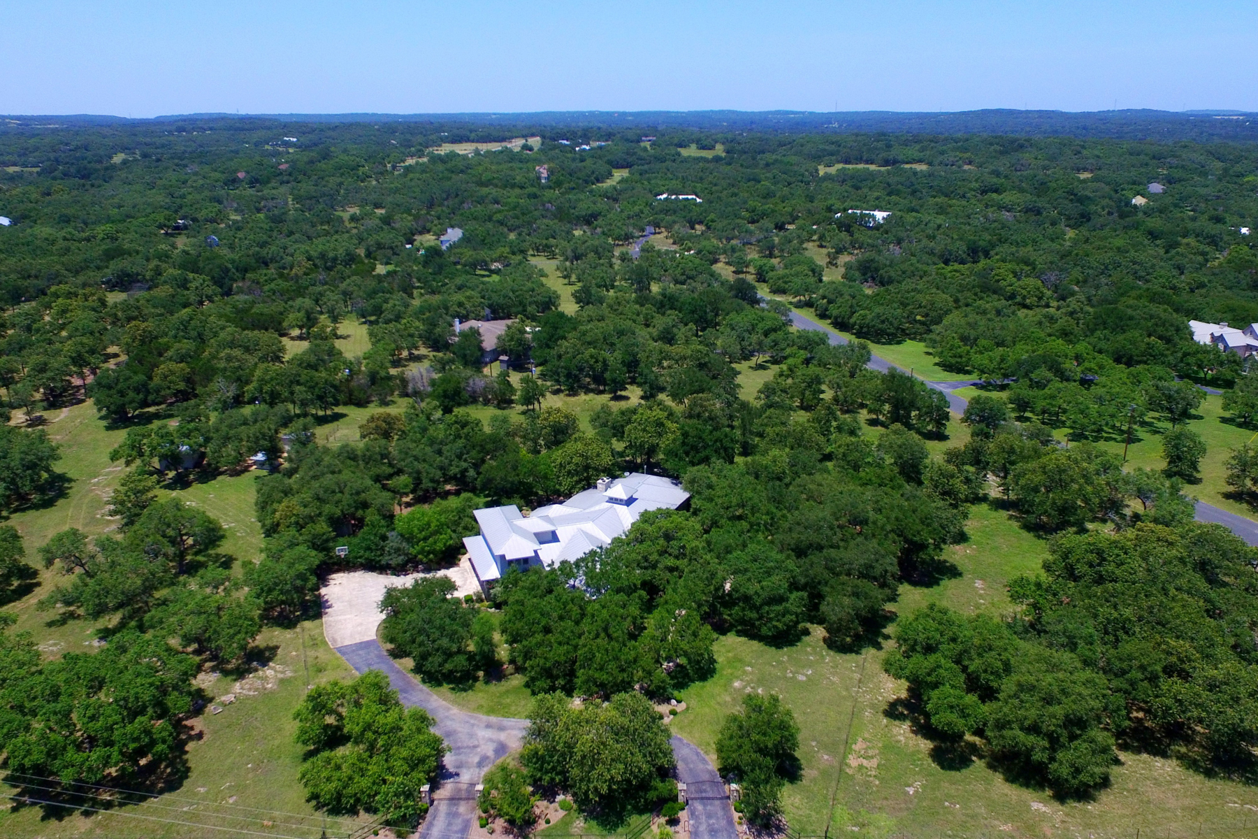 Additional photo for property listing at Gorgeous Gem in Cibolo Ridge Estates 205 Cibolo Ridge Trl Boerne, Texas 78015 United States
