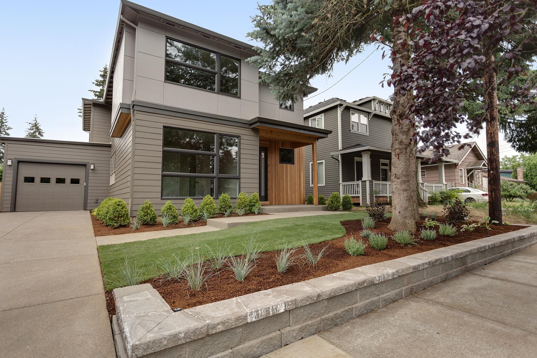 独户住宅 为 销售 在 4856 SE Ogden ST, PORTLAND 波特兰, 俄勒冈州, 97206 美国