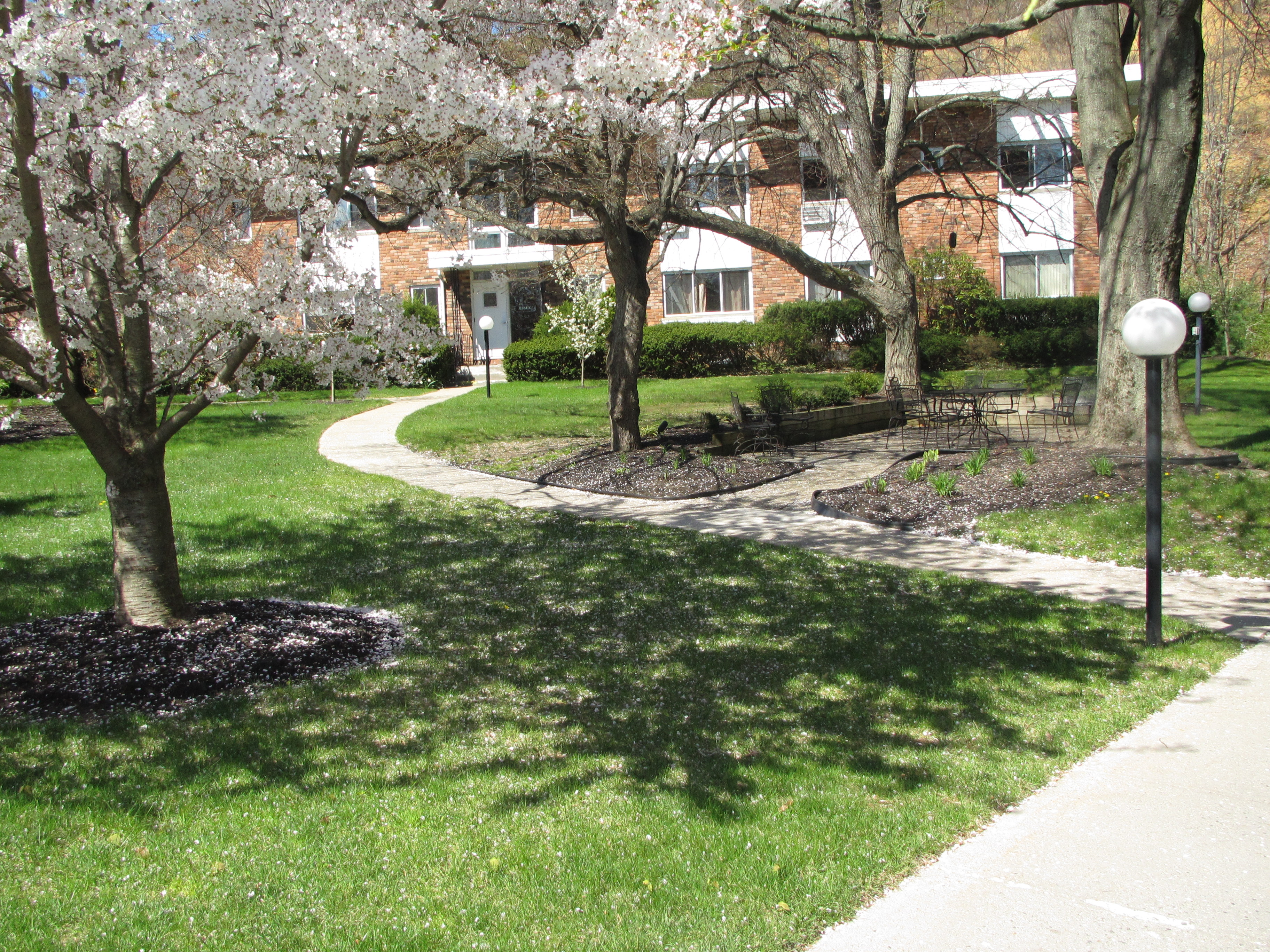 Apartment for Sale at Co-Op 200 Lexington Ave 10 10 H Oyster Bay, New York 11771 United States