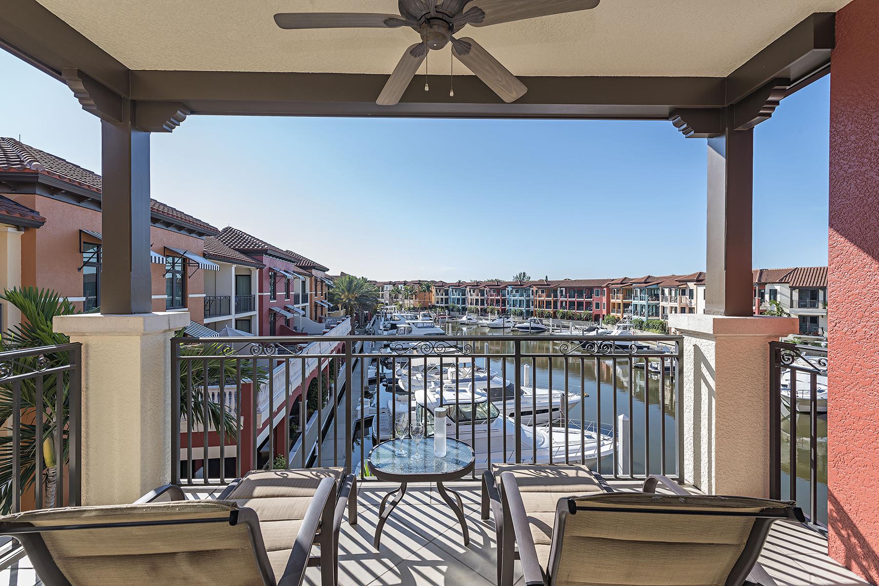 Condomínio para Venda às NAPLES BAY RESORT 1490 5th Ave S 1-302 & 304 Naples, Florida, 34102 Estados Unidos