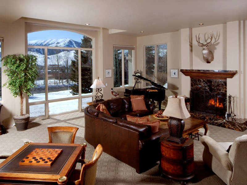 Maison unifamiliale pour l Vente à Great Baldy Views and Sunshine 101 Keystone Elkhorn, Sun Valley, Idaho, 83353 États-Unis