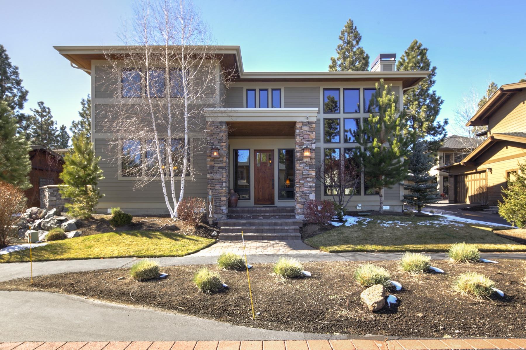 Casa para uma família para Venda às Three Pines 19016 Mt Shasta Dr Bend, Oregon 97701 Estados Unidos