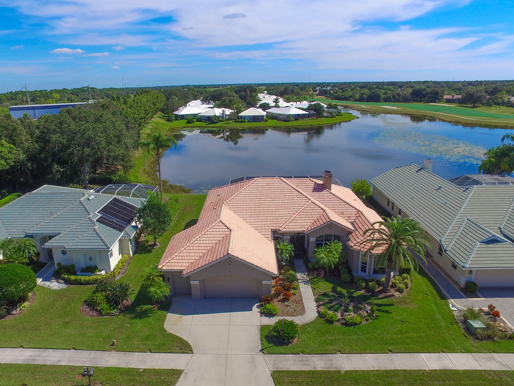 Single Family Home for Sale at VENICE GOLF & COUNTRY CLUB 424 Autumn Chase Dr Venice, Florida, 34292 United States
