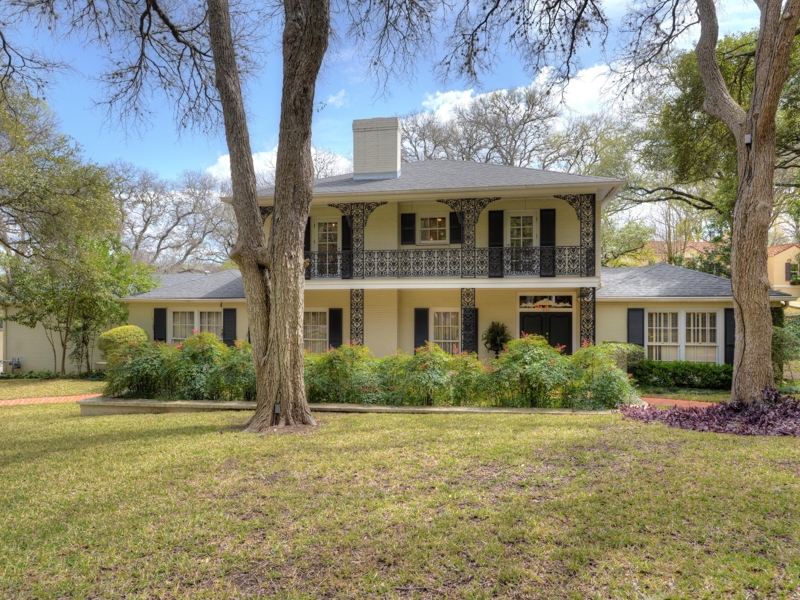 Einfamilienhaus für Verkauf beim New Orleans Style Home in Olmos Park 230 Paseo Encinal St Olmos Park, San Antonio, Texas 78212 Vereinigte Staaten