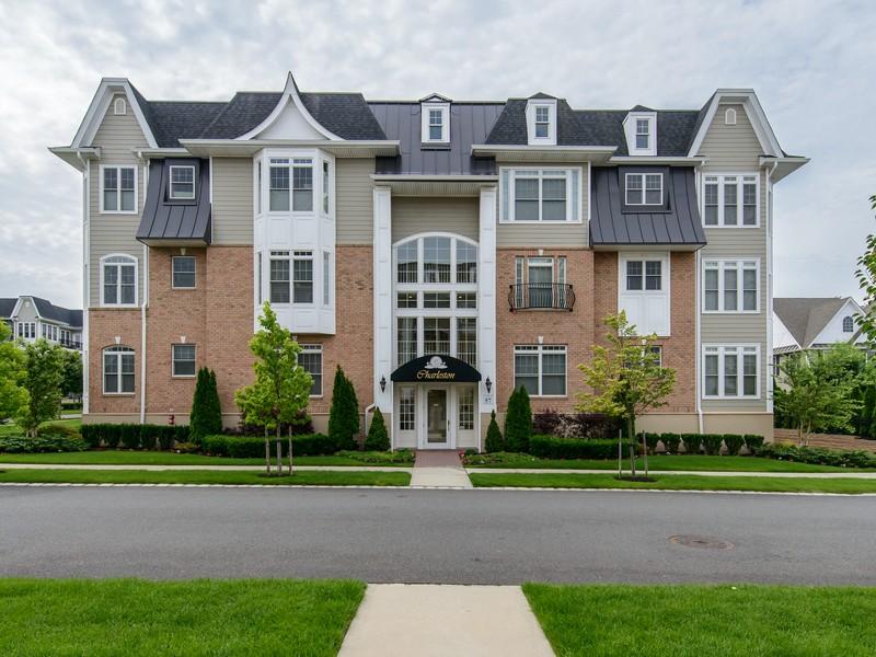 Eigentumswohnung für Verkauf beim Condo 57-388 Trotting Ln 3 388 Westbury, New York 11590 Vereinigte Staaten