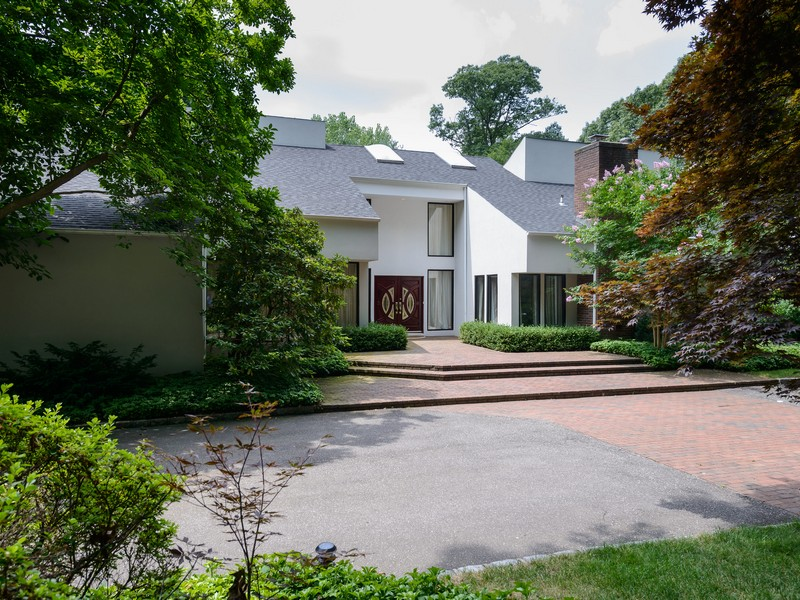 Nhà ở một gia đình vì Bán tại Contemporary 2 Stoneridge Ct Muttontown, New York 11791 Hoa Kỳ