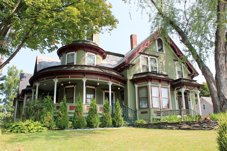 Maison unifamiliale pour l Vente à 70 Washington Street, Barre City Barre, Vermont 05641 États-Unis