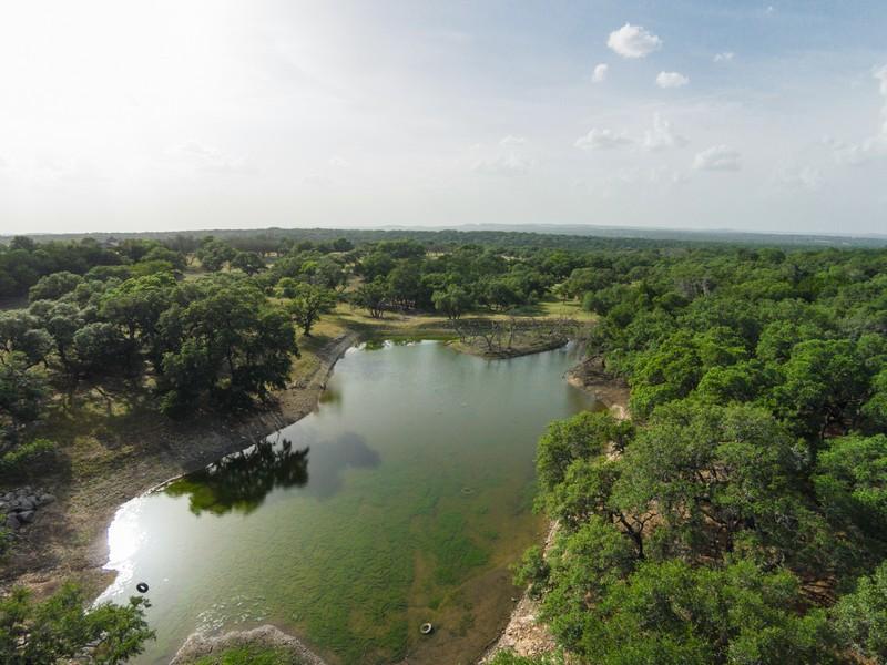 Hacienda / Granja / Rancho / Plantación por un Venta en 100+/- AC. Kendall County, Welfare-Waring, TX 41 Violet Pass Waring, Texas 78074 Estados Unidos
