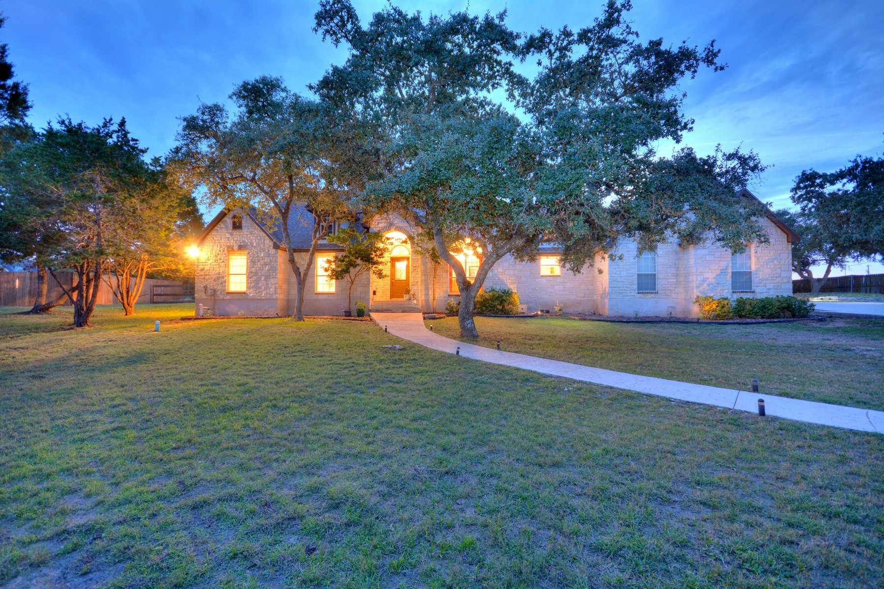 Single Family Home for Sale at Dripping Springs Beauty 1000 Sunset Canyon Dr Dripping Springs, Texas 78620 United States