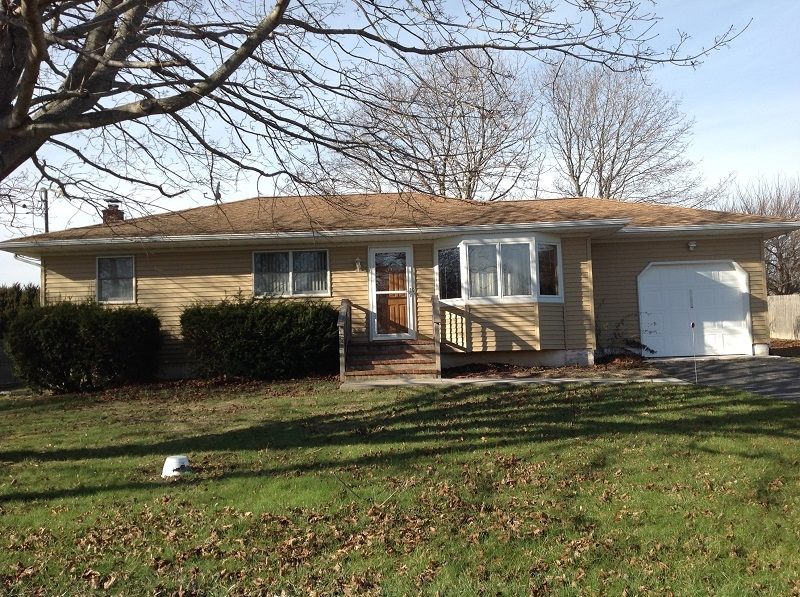 Single Family Home for Sale at Ranch 16495 County Road 48 Cutchogue, New York, 11935 United States