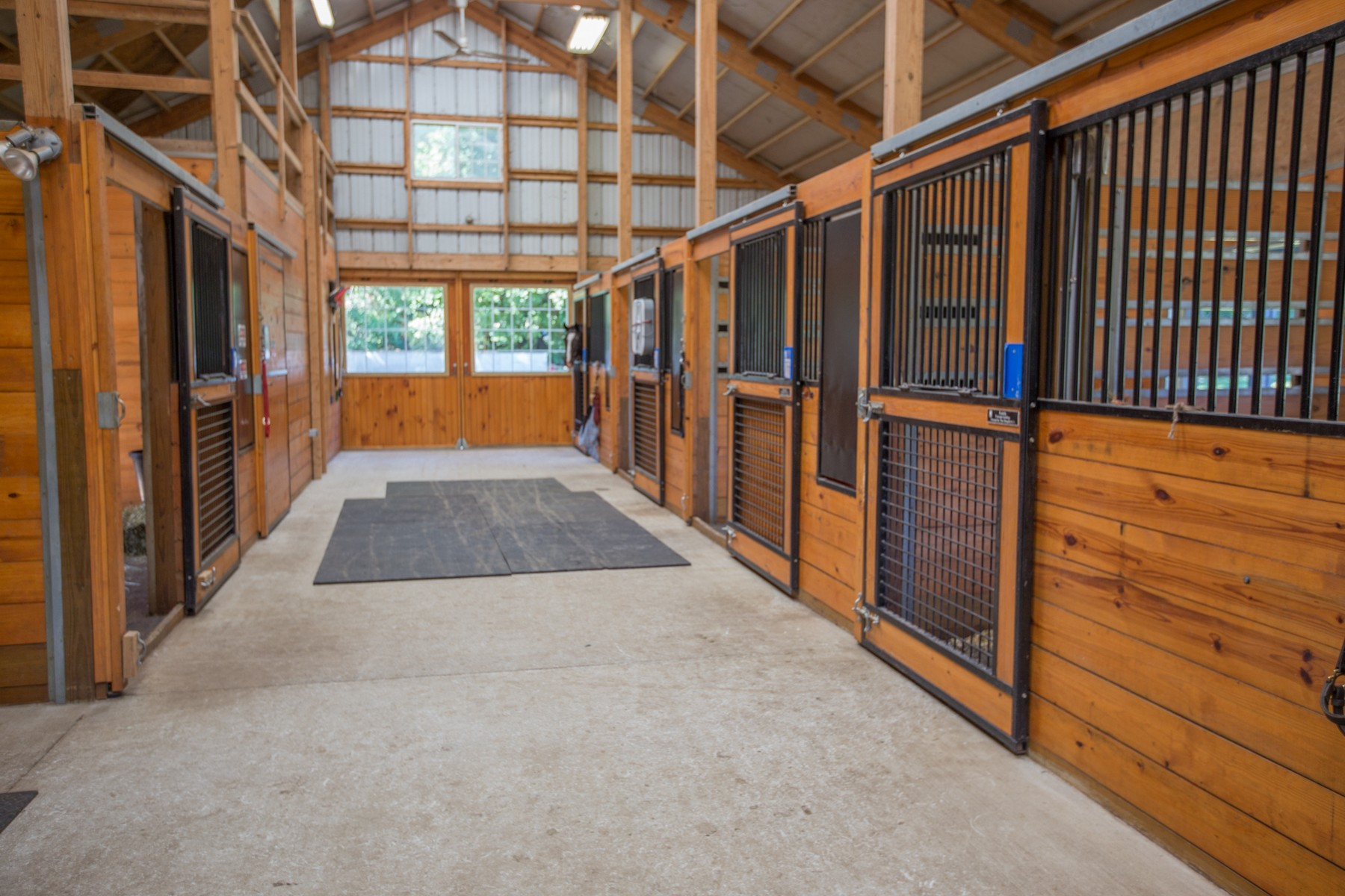 Additional photo for property listing at Charlton Equestrian 489  Stage Rd Charlton, Нью-Йорк 12019 Соединенные Штаты