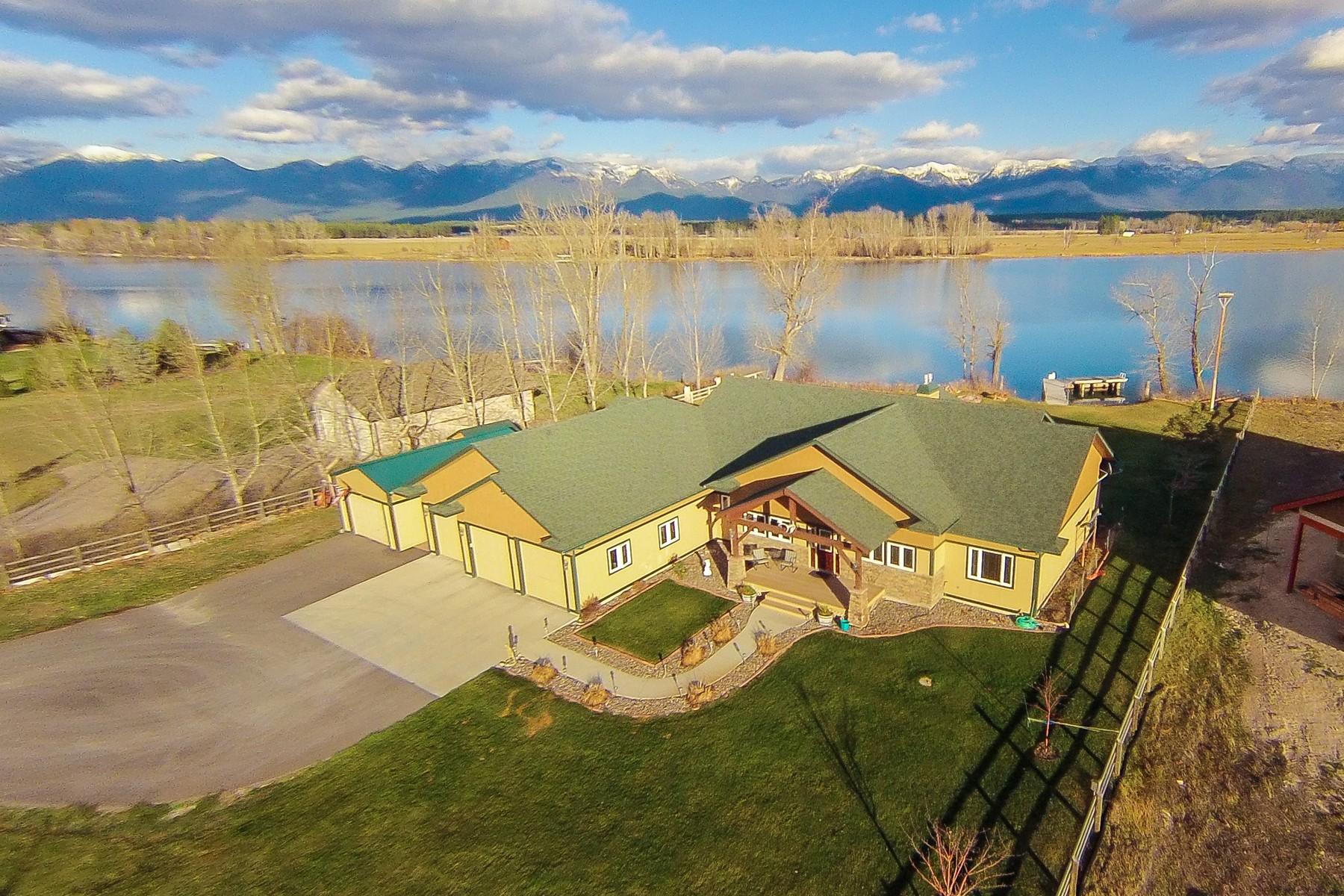 Maison unifamiliale pour l Vente à Flathead River Living 52 Mountain Star Kalispell, Montana, 59901 États-Unis