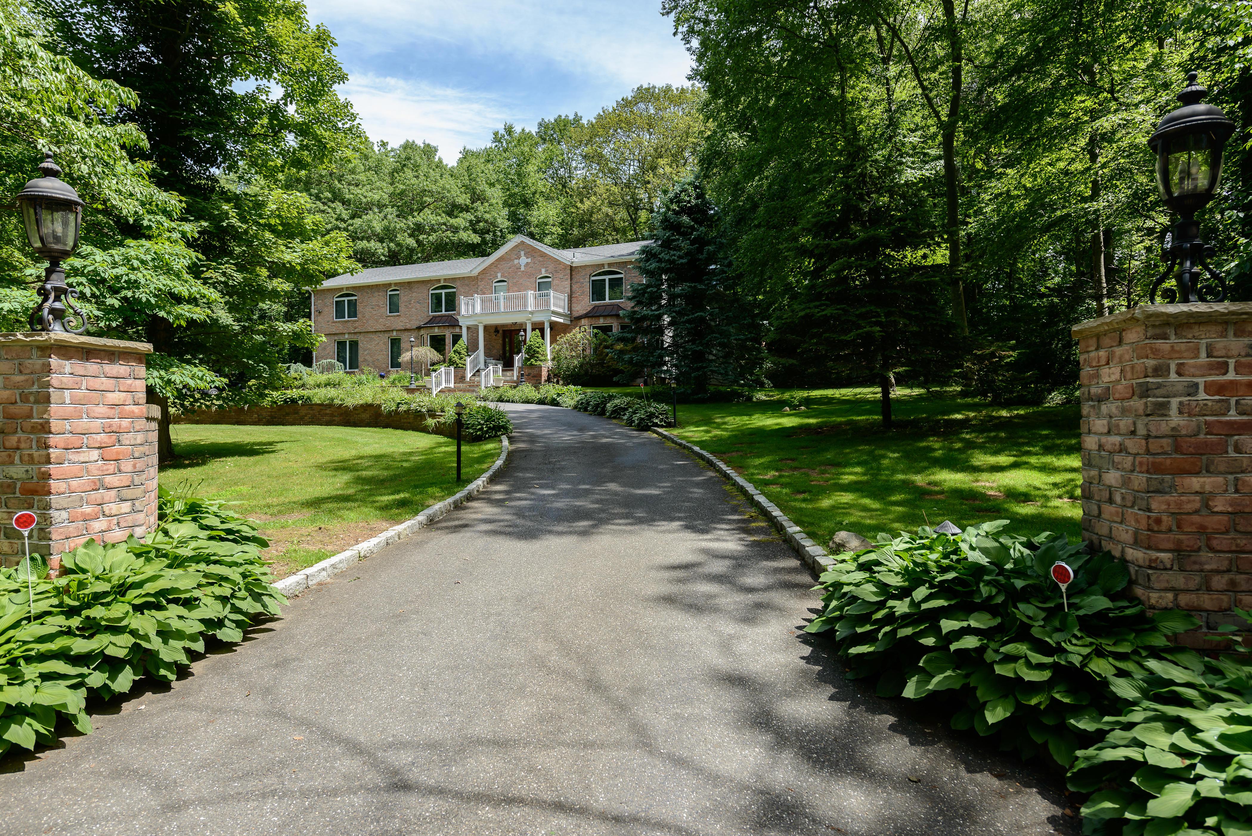 一戸建て のために 売買 アット Colonial 7 Peabody Rd Cold Spring Harbor, ニューヨーク 11724 アメリカ合衆国