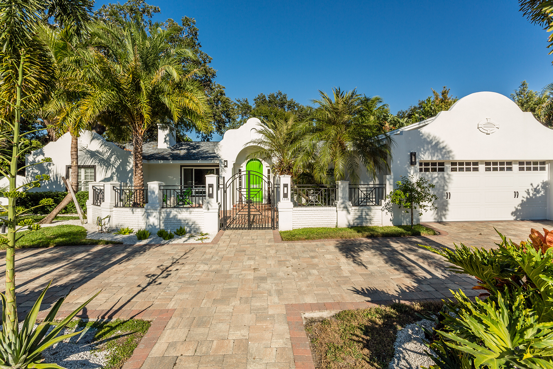 Tek Ailelik Ev için Satış at SNELL ISLE 1238 Brightwaters Blvd NE St. Petersburg, Florida, 33704 Amerika Birleşik Devletleri