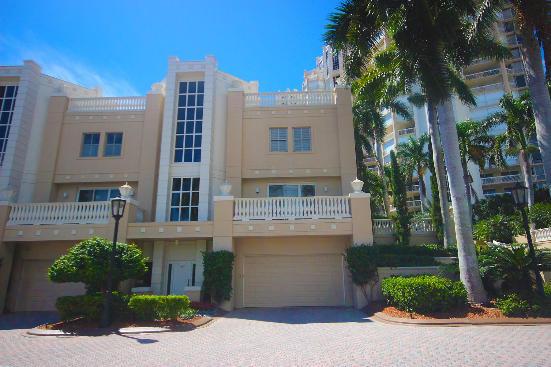 Condominio per Vendita alle ore PARK SHORE - BRITTANY 4021 Gulf Shore Blvd N V-17 Naples, Florida 34103 Stati Uniti