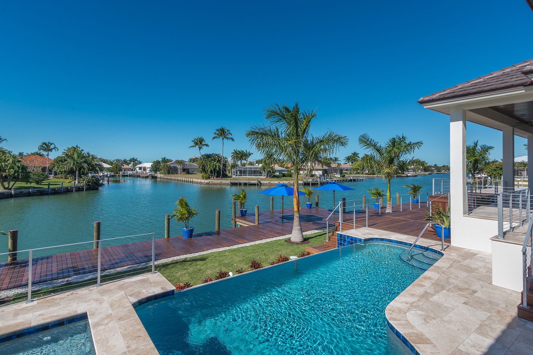 Single Family Home for Sale at MARCO ISLAND - ARUBA COURT 1250 Aruba Ct Marco Island, Florida 34145 United States