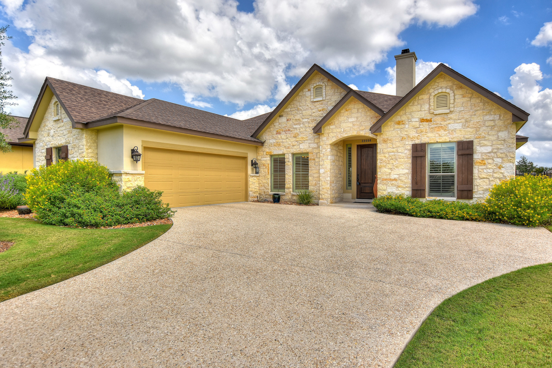 Single Family Home for Sale at Immaculate One-Story in Cibolo Trails 30006 Cibolo Trace Fair Oaks Ranch, Texas 78015 United States